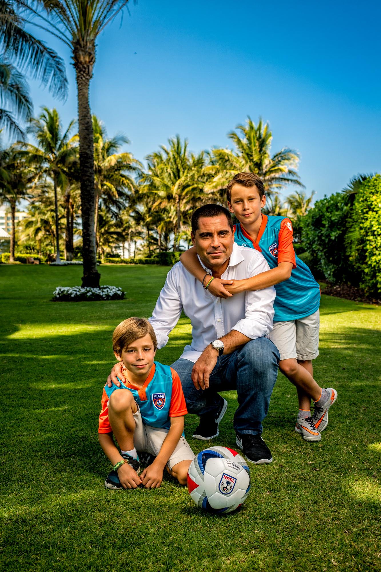 Riccardo Silva with his boys in Miami